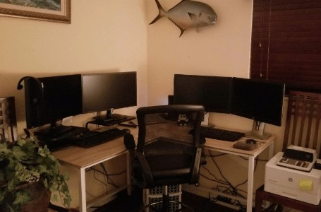 double workstations on the topsky desk