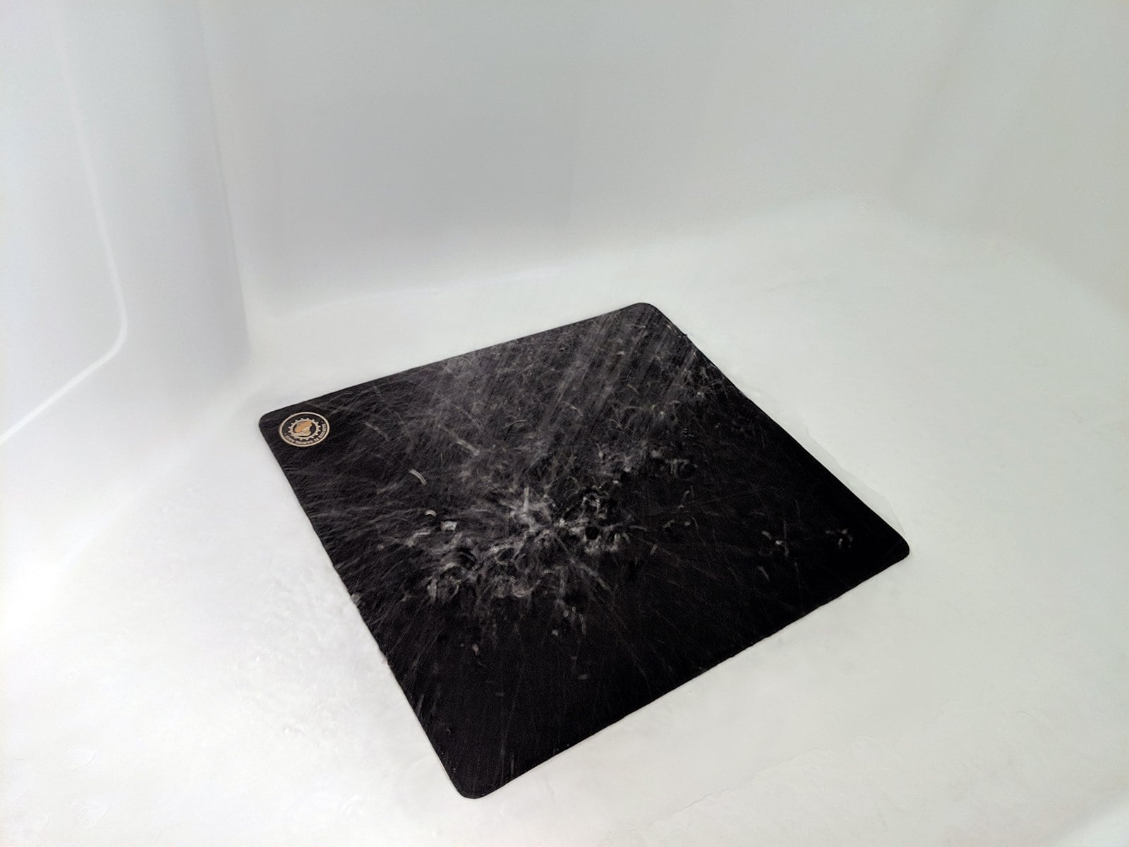 Clean mousepad with warm water