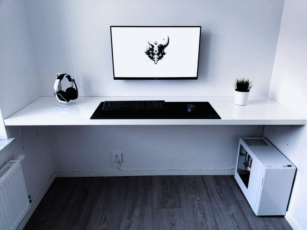 A minimalistic setup with no cables in sight.