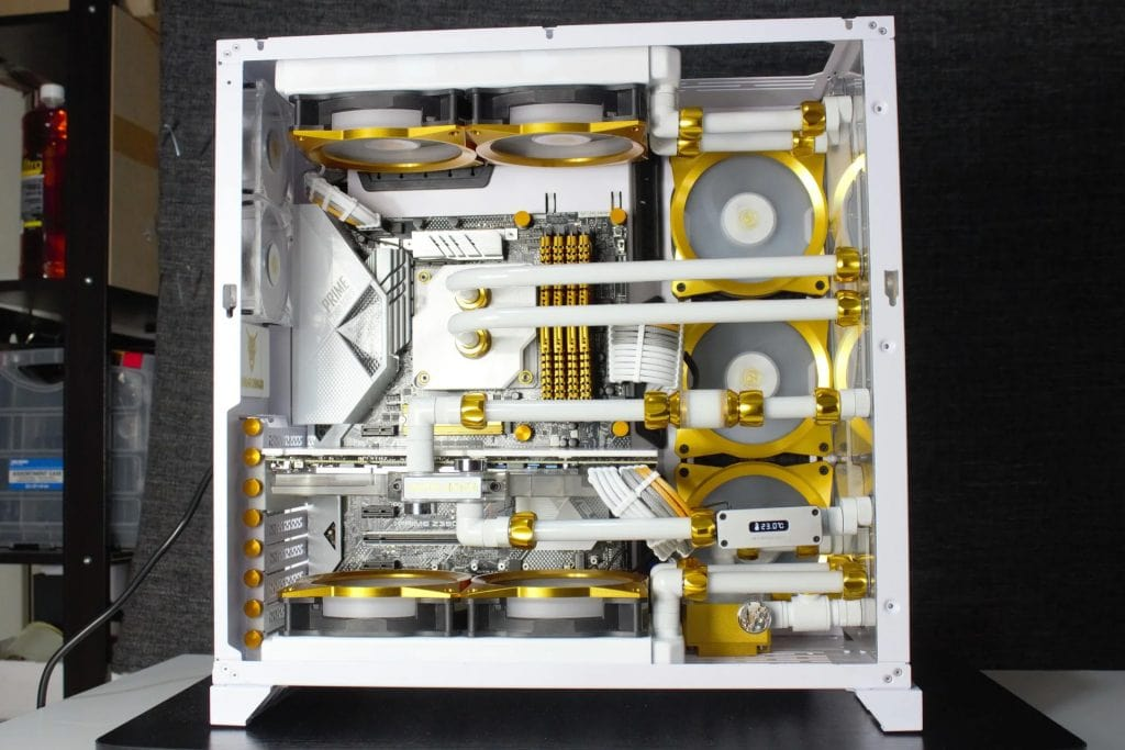 Example water cooling build in the O11 Dynamic