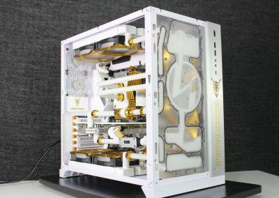 """AK Tech&Mods' """"Golden Dragon"""" PC Build"""