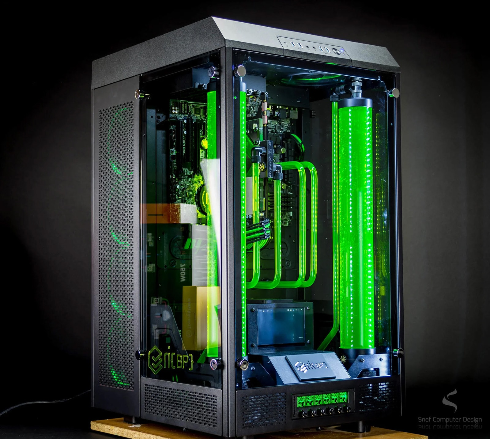 The Thermaltake Tower 900 pc case