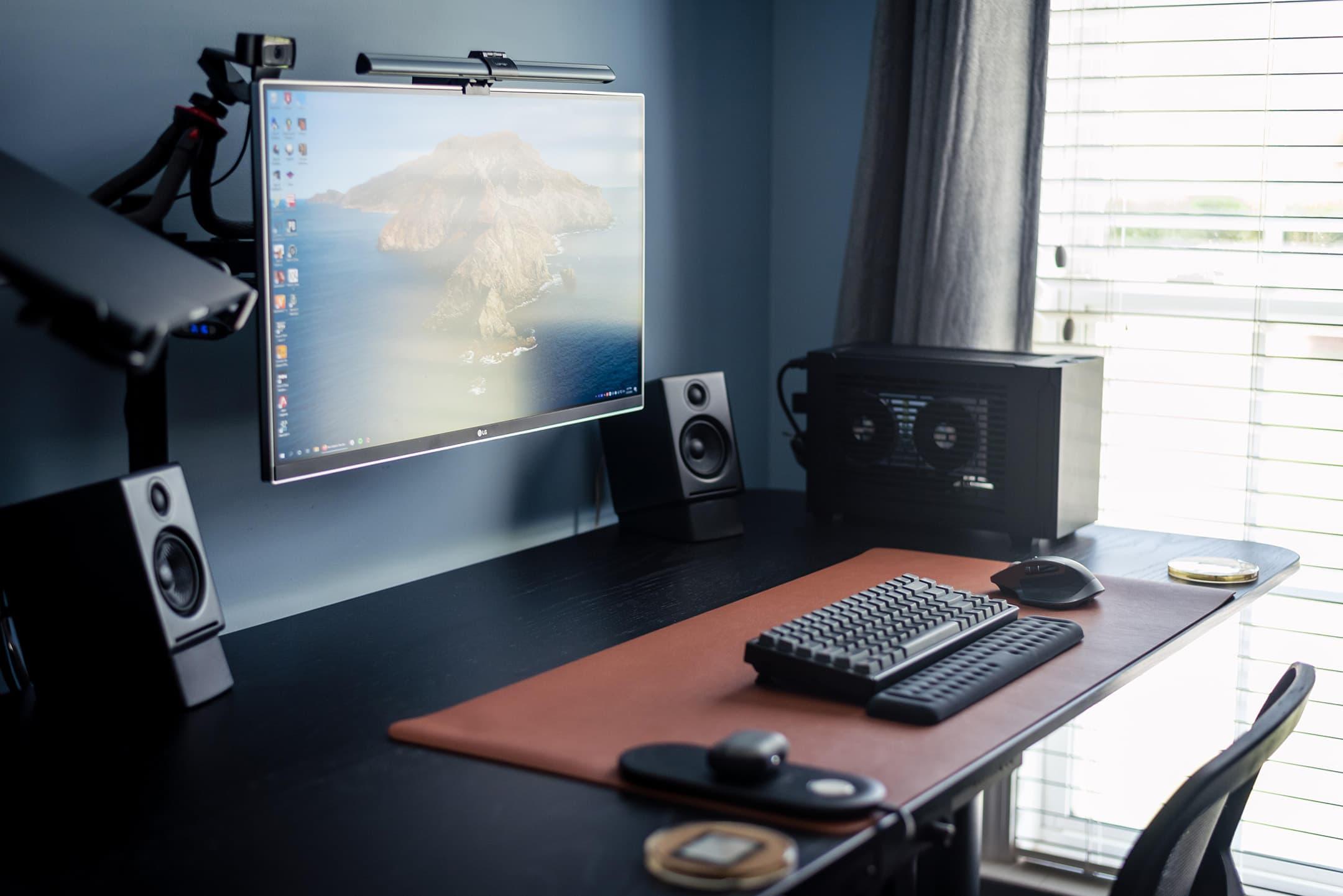 MoistBall (Desk Setup)