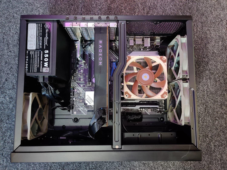 silverstone gd09 horizontal pc case build