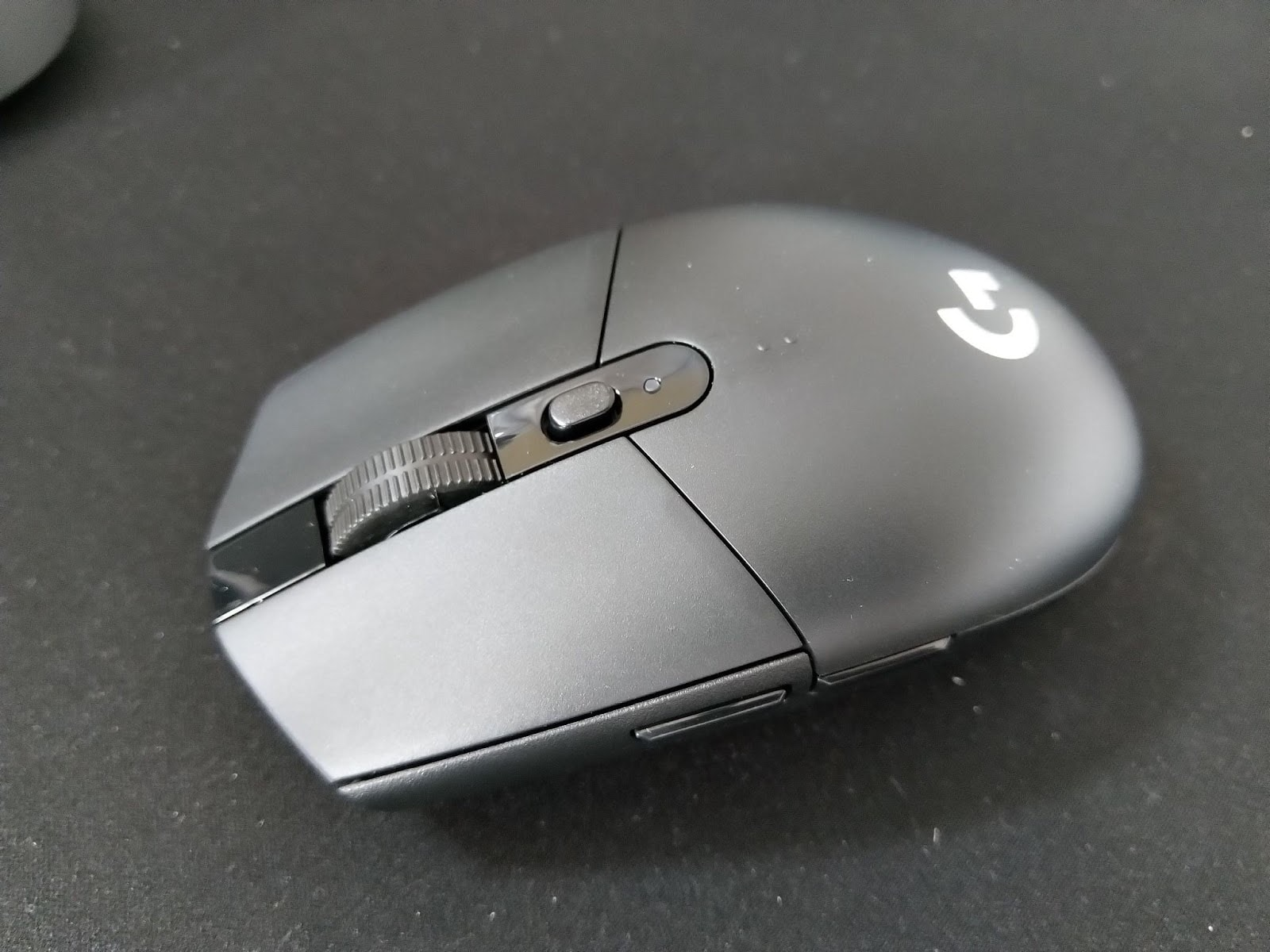 logitech g305 small gaming mouse